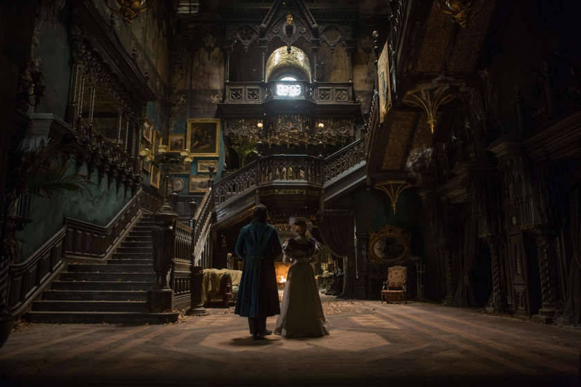 Crimson Peak - Tom Hiddleston & Mia Wasikowska
