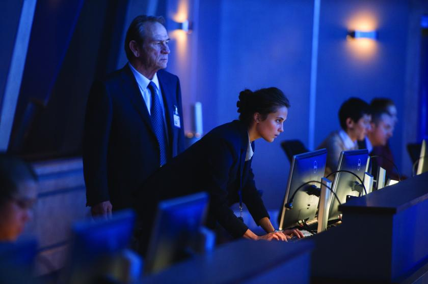 Jason Bourne - Tommy Lee Jones & Alicia Vikander